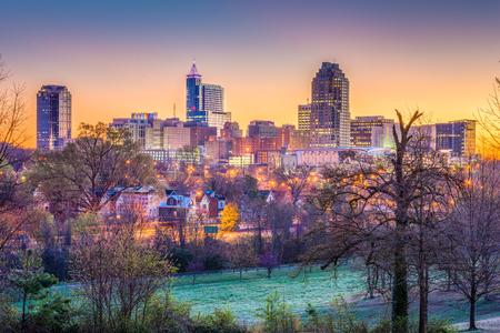 Photo pour Raleigh, North Carolina, USA downtown city skyline. - image libre de droit