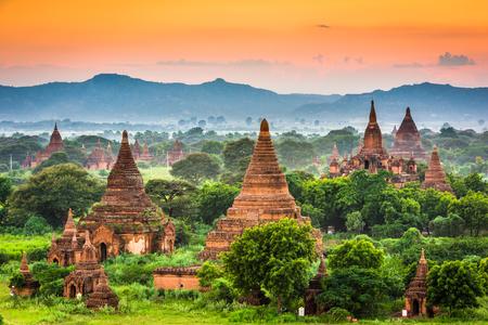 Foto de Bagan, Myanmar ancient temple ruins. - Imagen libre de derechos