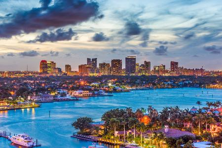 Foto per Fort Lauderdale, Florida, USA skyline. - Immagine Royalty Free