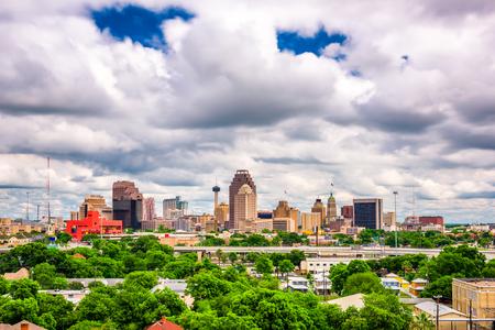Photo pour San Antonio, Texas, USA downtown skyline. - image libre de droit