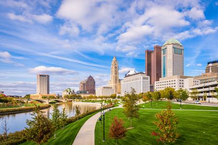 Photo pour Columbus, Ohio, USA skyline on the Scioto River. - image libre de droit