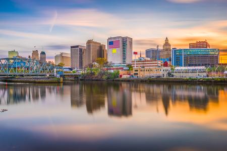 Photo pour Newark, New Jersey, USA skyline on the Passaic River. - image libre de droit