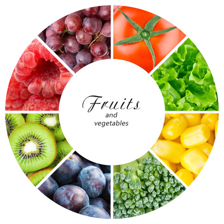 Photo pour Fresh fruits and vegetables. Healthy food concept - image libre de droit
