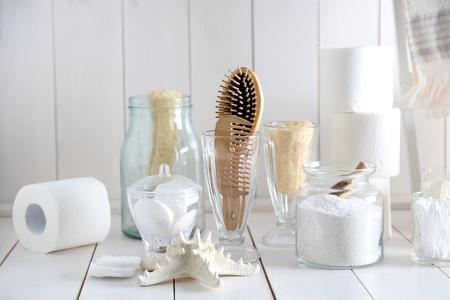 Foto de Bath accessories on wooden wall background - Imagen libre de derechos