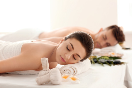 Foto de Young couple relaxing in spa salon - Imagen libre de derechos