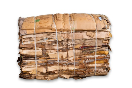 Foto de bale of cardboard isolated on white - Imagen libre de derechos