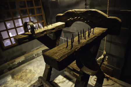 Photo pour Medieval instrument of torture, detail of torture in the inquisition - image libre de droit