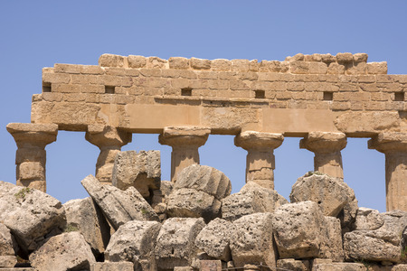 Photo pour Ancient temples of Selinunte in Agrigento in Sicily in Italy - image libre de droit