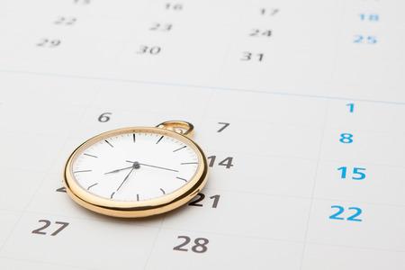 Photo pour Symbols of time. Clock and calendar. - image libre de droit