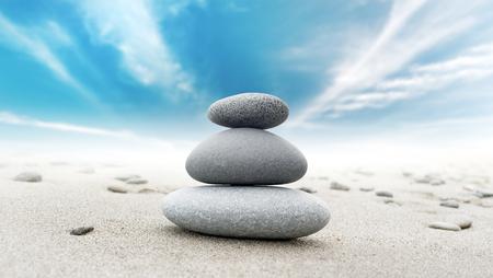Photo pour Calm zen meditate background with rock pyramid - image libre de droit