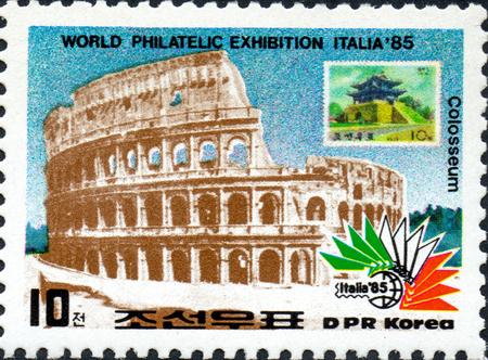 Foto de ??????? - CIRCA 2017: ???????? ?????, ???????????? ? ???????? ?????, ?????????? Colosseum, Rome, ?? ????? International Stamp Exhibition ITALIA 85, ????? 1985 ???? - Imagen libre de derechos