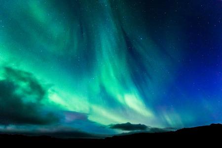 Photo pour Aurora in Iceland at night - image libre de droit