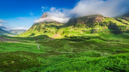 Photo pour Stunning sunrise over Glencoe in Scottish highlands - image libre de droit