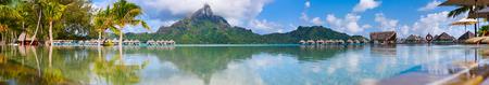Photo pour Beautiful view of Otemanu mountain on Bora Bora island. Wide panorama perfect fpr banner - image libre de droit