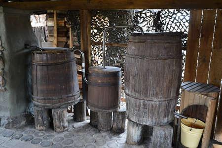 Photo pour The ancient moonshine still in the village. Serves for production of house alcohol. - image libre de droit