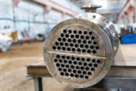 Photo pour Manufacture of a new heat exchanger with a carbon steel tube bundle - image libre de droit