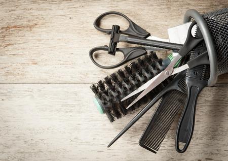 Foto de hairdresser tools on white wood - Imagen libre de derechos