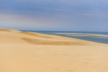 Photo pour Incredible Dune of Pilat (Grande Dune du Pilat), the tallest sand dune in Europe. - image libre de droit