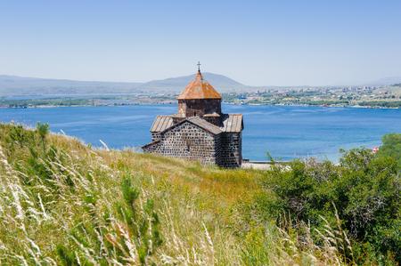 Foto de Sevanavank (Sevan Monastery), a monastic complex located on a  shore of Lake Sevan in the Gegharkunik Province of Armenia - Imagen libre de derechos