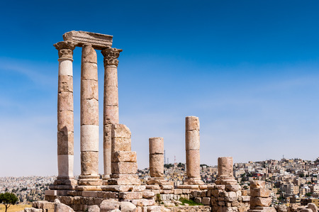 Foto per Temple of Hercules of the Amman Citadel complex (Jabal al-Qal'a), a national historic site at the center of downtown Amman, Jordan. - Immagine Royalty Free