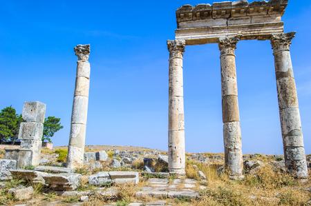 Photo pour Colums of Apamea, Syria - image libre de droit