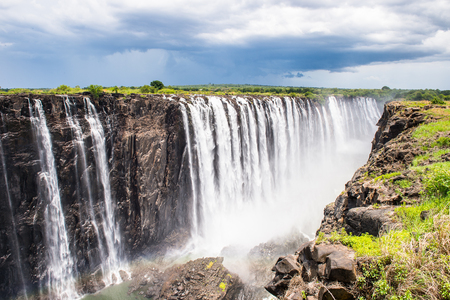 Photo pour Victoria Falls, boarder of Zambia and Zimbabwe. - image libre de droit