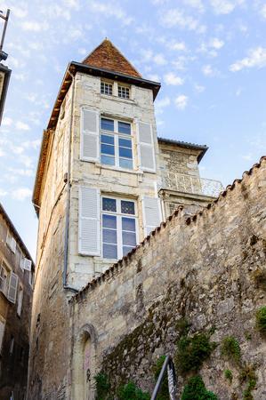 Photo pour Medieval architecture of the Old Town, Perigueux, France. - image libre de droit