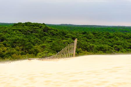 Photo pour Beautiful view of the Dune of Pilat (Grande Dune du Pilat), the tallest sand dune in Europe. - image libre de droit