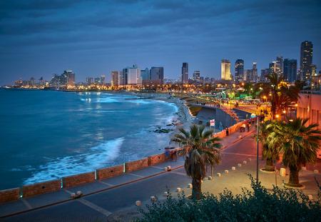 Foto de Waterfront of Tel Aviv. Night view from Jaffa. - Imagen libre de derechos