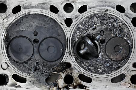 Photo pour Car engine cylinder head with broken valve, two valve construction - image libre de droit