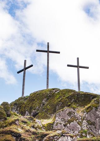Photo pour Crosses on the top of a mountain - image libre de droit