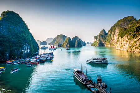 Photo pour Halong Bay Vietnam - image libre de droit
