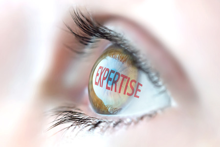 Foto de Expertise reflection in eye. - Imagen libre de derechos