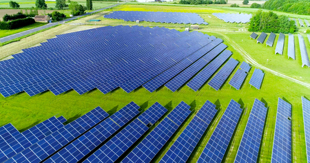 Photo pour Solar panels in aerial view - image libre de droit