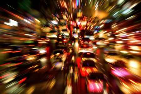 Foto de Traffic jam on a large street in the city, night shot with dynamic blur effect - Imagen libre de derechos