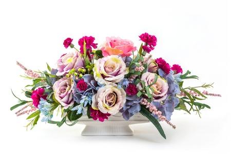 Photo pour Bouquet of rose, hydrangea, berry and carnation flowers in ceramic pot - image libre de droit