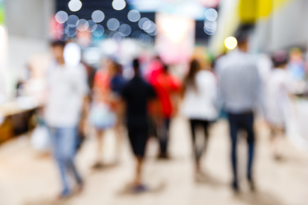 Foto per Abstract blurred people walking in shopping centre - Immagine Royalty Free