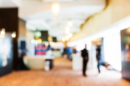 Foto de Abstract blurred people in press conference event, business concept - Imagen libre de derechos