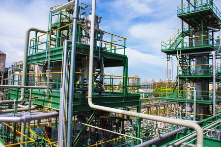 Photo pour Petrochemical plant - image libre de droit