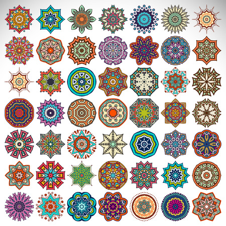 Illustration pour Vector Mandala. Round ornament in ethnic style. Hand draw - image libre de droit