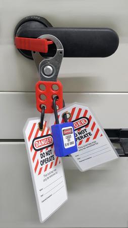 Foto de Lock out & Tag out , Lockout station,machine - specific lockout devices - Imagen libre de derechos