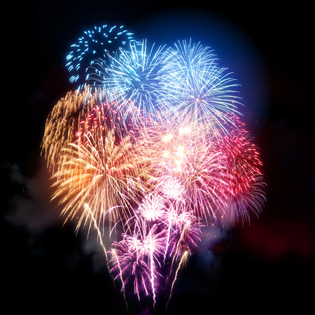 Photo pour A large fireworks display for all types of celebrations! - image libre de droit