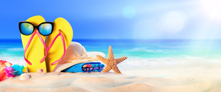 Photo pour Beach Accessories On Seashore - Summer Holidays - image libre de droit