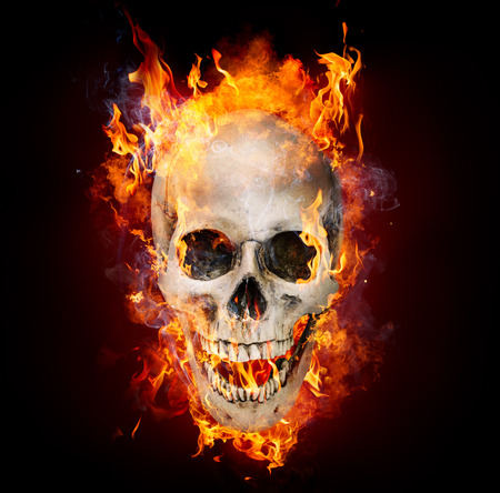Photo pour Satanic Skull In Flames In The Darkness - image libre de droit