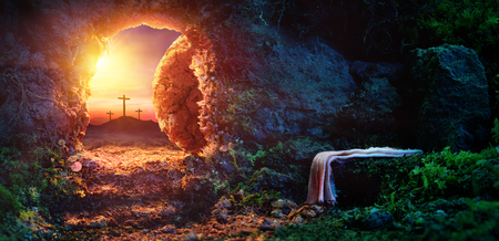 Foto de Crucifixion At Sunrise - Empty Tomb With Shroud - Resurrection Of Jesus Christ - Imagen libre de derechos