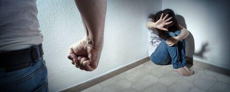 Foto de Domestic Violence Concept - Husband Beating His Wife - Imagen libre de derechos