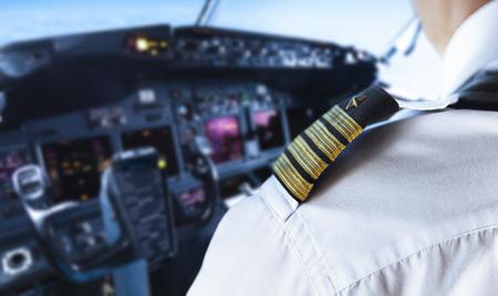 Photo pour Shoulder Golden Pilot Badge Detail - image libre de droit