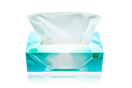 Photo pour Tissue box mock up white tissue box blank label and no text for packaging - image libre de droit