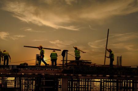 Photo pour The Construction on the Sunset - image libre de droit