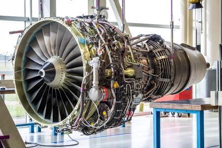 Foto de Engine's maintenance in huge industrial hall . - Imagen libre de derechos